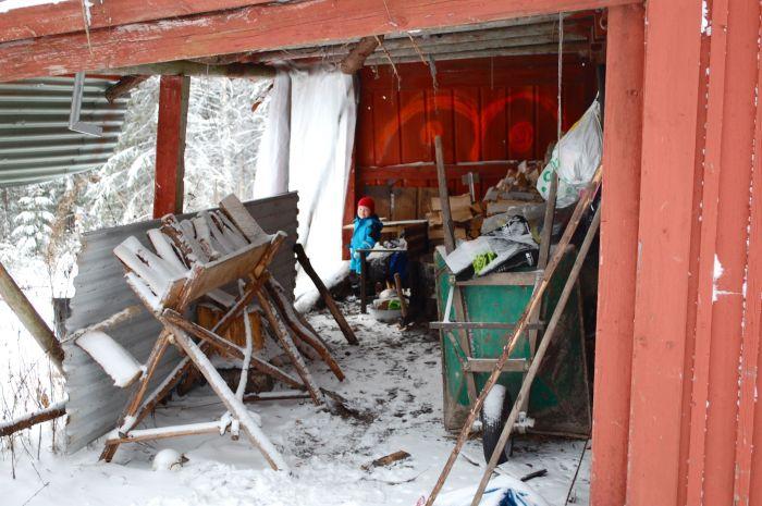 Brændet, som det tog en hel og snefyldt måned atstable